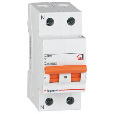 Interruptor automático magnetotérmico 1 + N polos 16A (Legrand 419926)